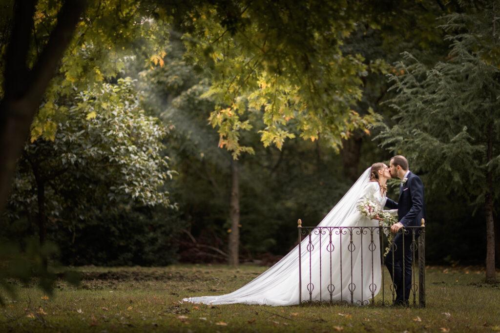 fotografia di sposi presso La Voliera Reale a Ternate